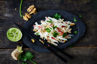 Vegan ohne Soja: Rezept für Asia-Waldorfsalat
