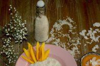 veganer Kokos-Milchreis mit fruchtigem Mangopüree