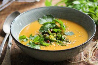 Veganes Rezept: Herrlich-wärmend: die Süßkartoffelsuppe von Vegan-Bloggerin Lea Green