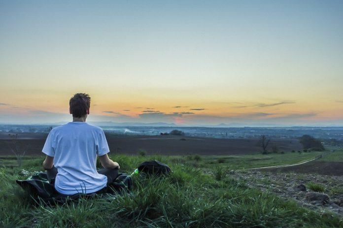 Atemübungen können dazu verhelfen, zur Ruhe zu kommen