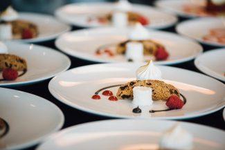 Es ist angerichtet: stylische Gourmet-Küche
